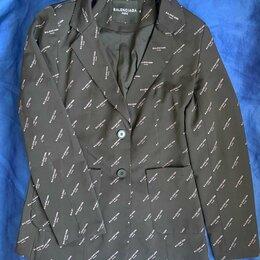 Костюмы - Женский брючный костюм Balenciaga, 0