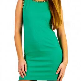 Платья - Зеленое платье с цепочками, стрейч, новое,40-44,46, 0
