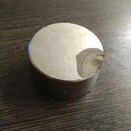 Прочие хозяйственные товары - Сильный магнит со сколом, 0