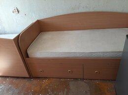 Кровати - Две одинаковые односпальные кровати,деревянные,с…, 0