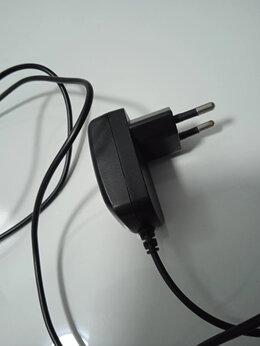 Зарядные устройства и адаптеры - Блок питания на 5 Вольт с разъемом мини USB, 0