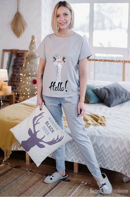 """Легкая женская пижама с забавным принтом """"Страус"""" по цене 800₽ - Домашняя одежда, фото 0"""