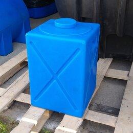 Баки - Прямоугольный пластиковый бак на 120 литров. Вертикальный, 0