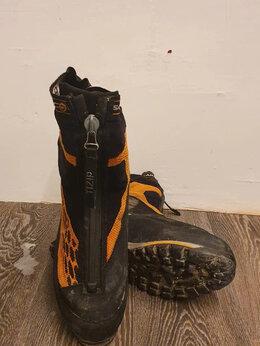 Обувь для спорта - Ботинки для тяжелого трекинга или альпинизма, 0