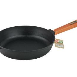 Сковороды и сотейники - Сковорода 260*60 чугунная сотейник с деревянной ручкой (BRIZOLL), 0