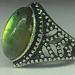 Кольца и перстни - Перстень Лабрадорит натуральный, размер 19, 0