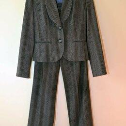 Костюмы - Женский брючный костюм, 40-42 размер, 0