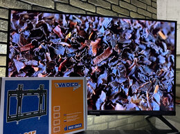 Телевизоры - Телевизор без рамок 81 см + крепление на стену, 0