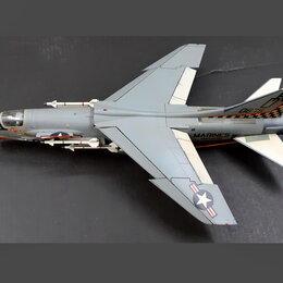 """Сборные модели - 1/72 продажа модели самолета Воут Ф-8 """"Крусайдер"""", США 1955, 0"""