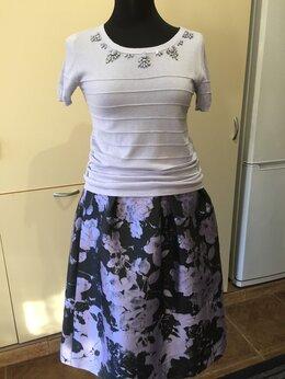 Костюмы - Комплект юбка с кофтой Max&Co     размер 42-44, 0