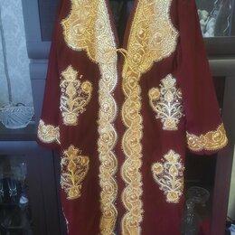 Домашняя одежда - Халат велюр с вышивкой, 0