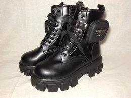 Ботинки - Берцы женские зимние Prada, 0
