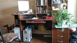 Компьютерные и письменные столы - Стол компьютерный б/у, 0