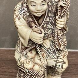 Статуэтки и фигурки - костяная статуэтка Крестьянин с веревкой ,резьба по бивню слона, 0