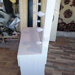 Мебель для салонов красоты - Гримерный стол с зеркалом , 0