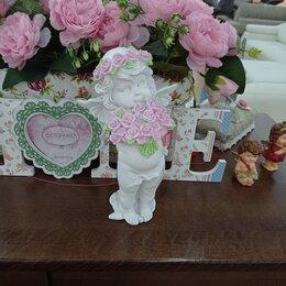 Статуэтки и фигурки - Статуэтка Ангел с розами, 0