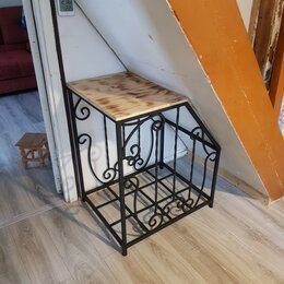 Наборы и аксессуары для каминов и печей - Дровница под лестницу , 0