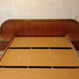 Кровати - Кровать и 2 тумбочки, 0
