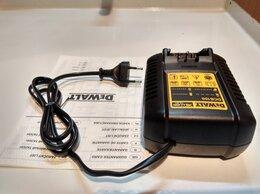Аккумуляторные отвертки - Зарядное устройство DeWALT DCB 100, 0