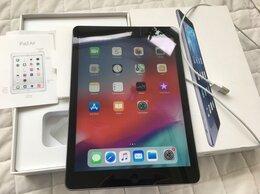 Планшеты - iPad Air 128 LTE-Cellular, SpGray, идеал, 0