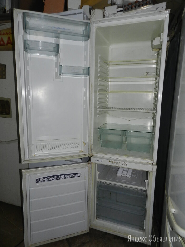 Встраиваемый Electrolux 2 компрессора с гарантией доставка по цене 6000₽ - Холодильники, фото 0
