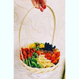 Цветы, букеты, композиции - Корзина с сухофруктами , 0
