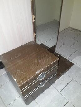 Тумбы - Тумба. размер зеркала 140,5 * 40,3 см, 0