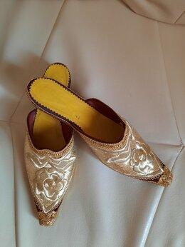 Домашняя обувь - Тапки с вышивкой, 0