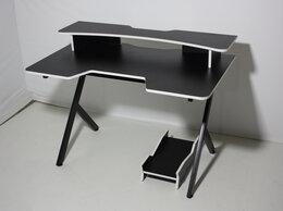Компьютерные и письменные столы - Компьютерный Стол Игровой , 0