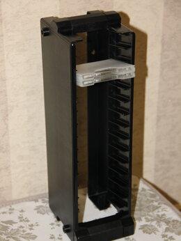 Кронштейны и стойки - Подставка на 28 минидисков, 0