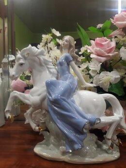 Статуэтки и фигурки - Фарфоровая статуэтка девушка на лошади, 0