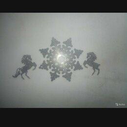 Статуэтки и фигурки - Лошадки и снежинка, 0