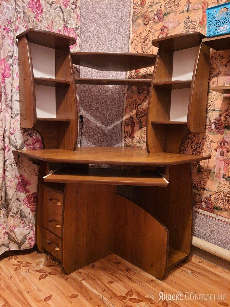 Компьютерный стол по цене 2000₽ - Компьютерные и письменные столы, фото 0