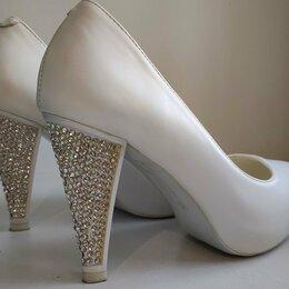 Аксессуары - Туфли белые свадебные, 36 размер, 0
