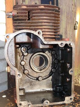 Запчасти  - Блок двигателя для MF70/MF73, 0