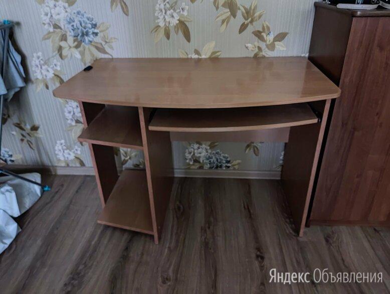 Стол компьютерный по цене 500₽ - Компьютерные и письменные столы, фото 0