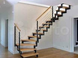 Лестницы и элементы лестниц - Лестница на второй этаж частного дома на заказ, 0