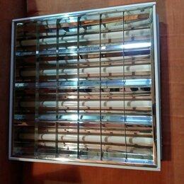 Настенно-потолочные светильники - Светильник элюмисцентный. Состояние нового. С 4 лампами, 0