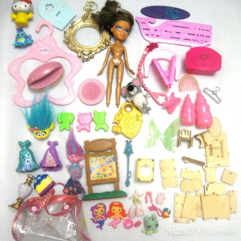 Пакетом куклы и прочие девочковые игрушки, 35+ штук.  по цене 350₽ - Куклы и пупсы, фото 0