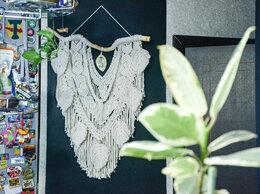 Картины, постеры, гобелены, панно - Макраме БОХО панно с перьями и керамической…, 0