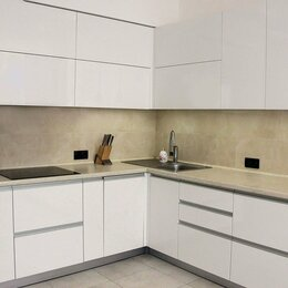 Мебель для кухни - Белая угловая кухня без ручек с фасадами акрил Олимп, 0