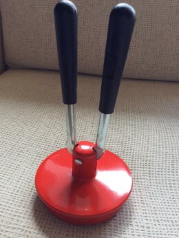 Консервные ножи и закаточные машинки - Приспособление для закупорки стеклянных банок, 0