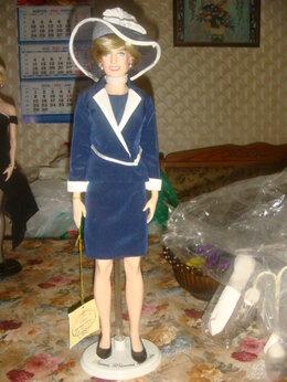 Куклы и пупсы - Кукла виниловая Принцесса Диана 2000 год в шляпе, 0