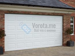 Заборы и ворота - Филёнчатые белые ворота с подъёмным механизмом, 0