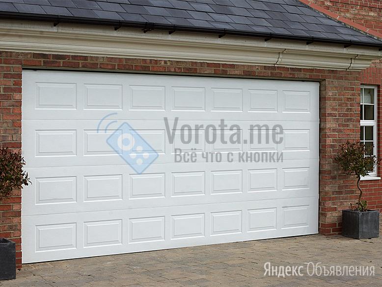 Филёнчатые белые ворота с подъёмным механизмом по цене 40850₽ - Заборы, ворота и элементы, фото 0