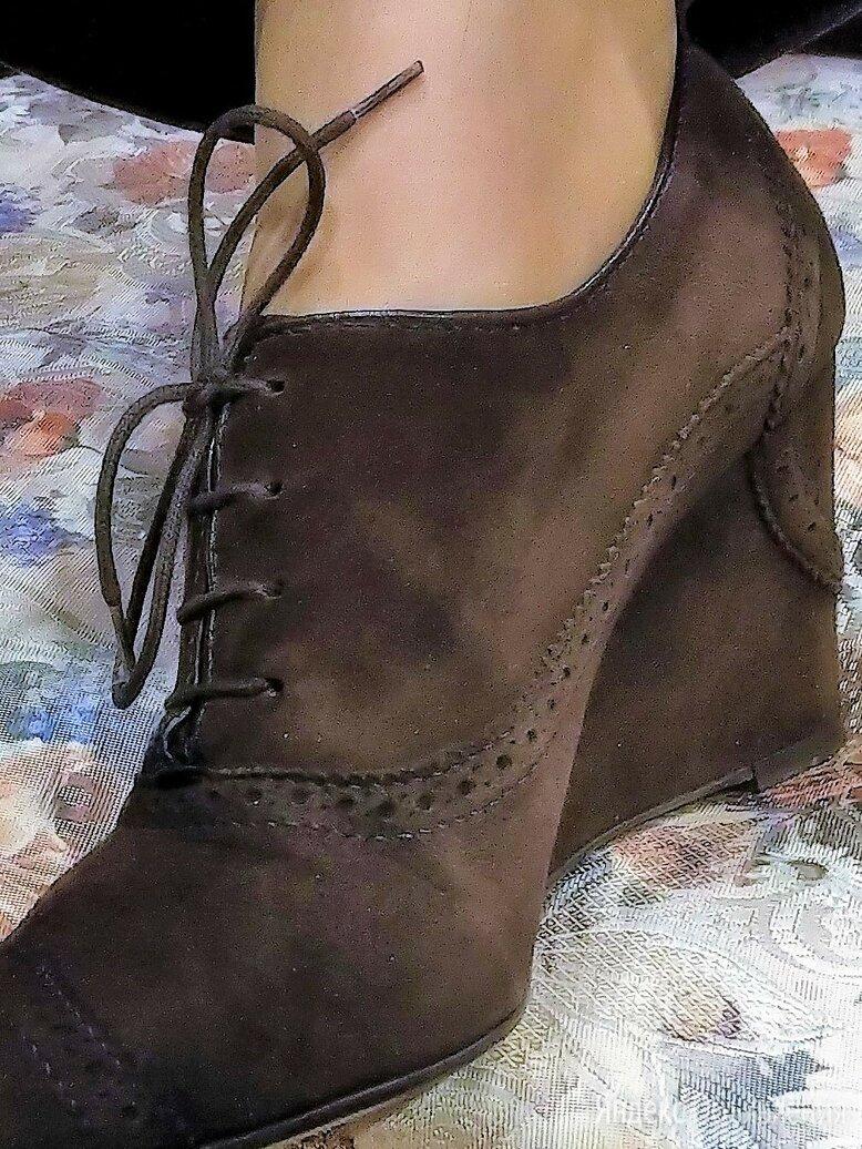 🔴 Fratelli Rossetti Италия ботинки замшевые с узорной перфорацией по цене 2700₽ - Ботильоны, фото 0