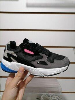 Кроссовки и кеды - Кроссовки женские adidas 39 размер , 0