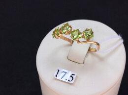 Кольца и перстни - Золотое кольцо с зелеными Хризолитами, размер 17,5, 0