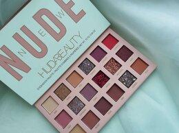 Для глаз - Палитра теней Huda Beauty, 0