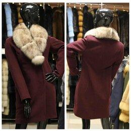 Пальто - новое зимнее пальто шерсть с мехом песца 40-42, 0